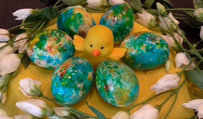 mramornye-jajca-iz krasitelej