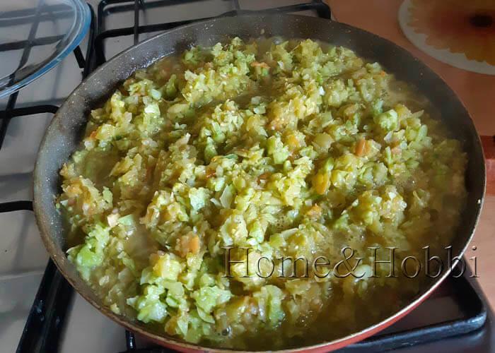 ikra-iz-zeljonyh-pomidorov-i-kabachkov_1